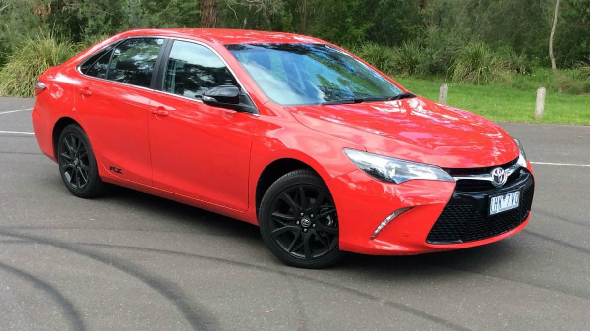 2016 Toyota Camry RZ REVIEW | Well-Balanced Steering And Handling With A Little More Style And Zing