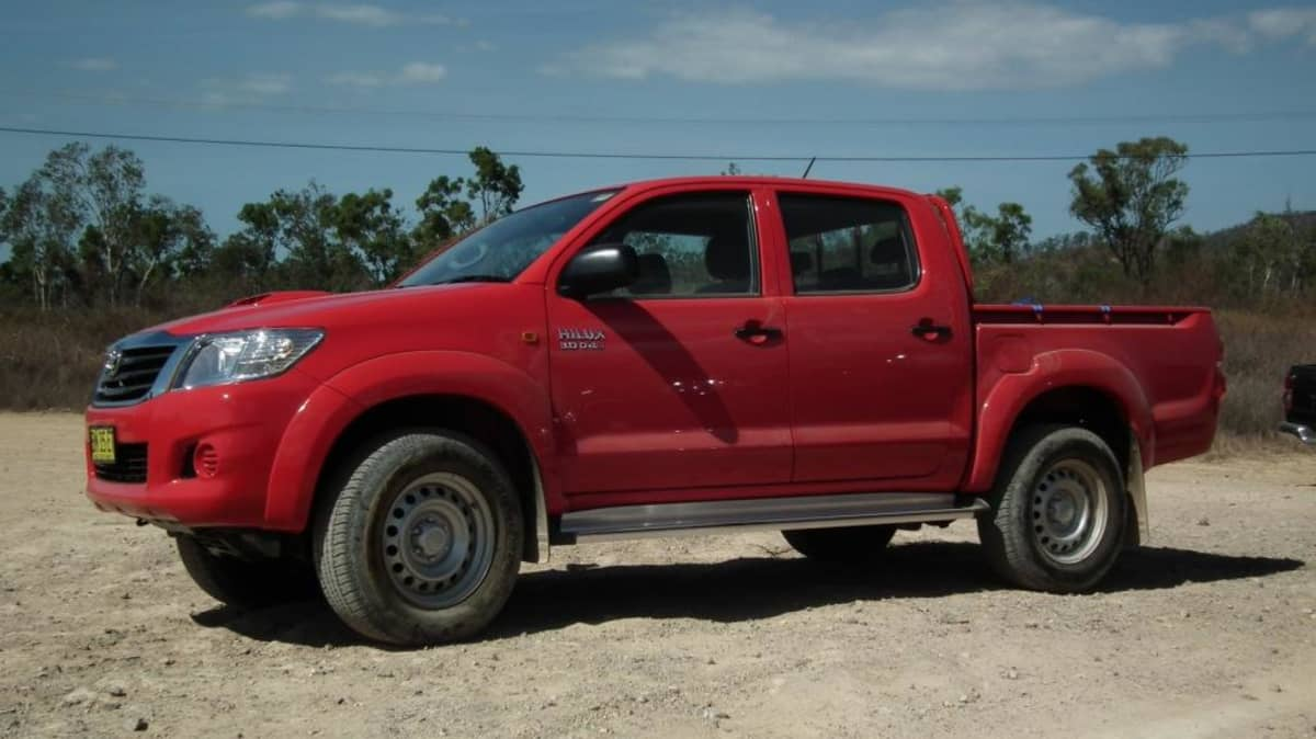 2012_toyota_hilux_road_test_review_06
