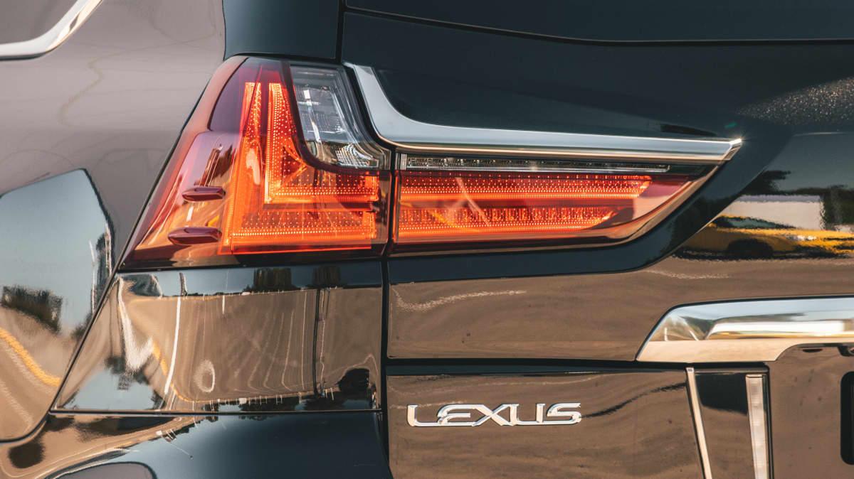 2021 Lexus LX570 S review-1