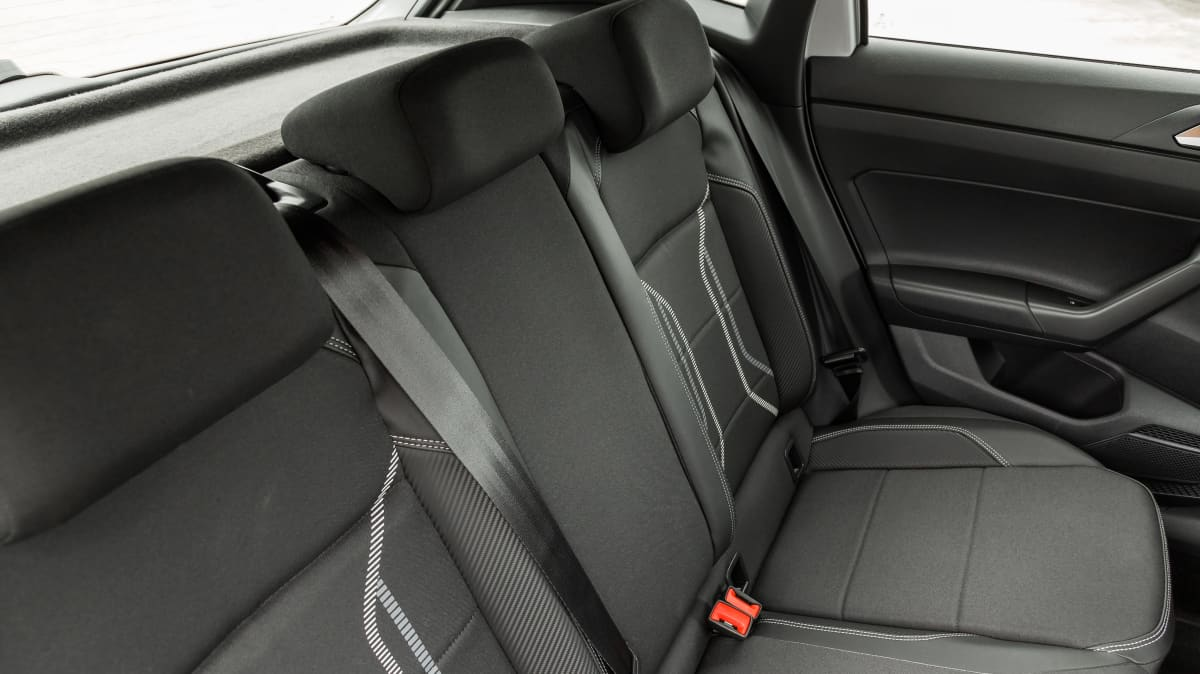 2020 Volkswagen Polo Style 85TSI v Hyundai Venue Elite-3