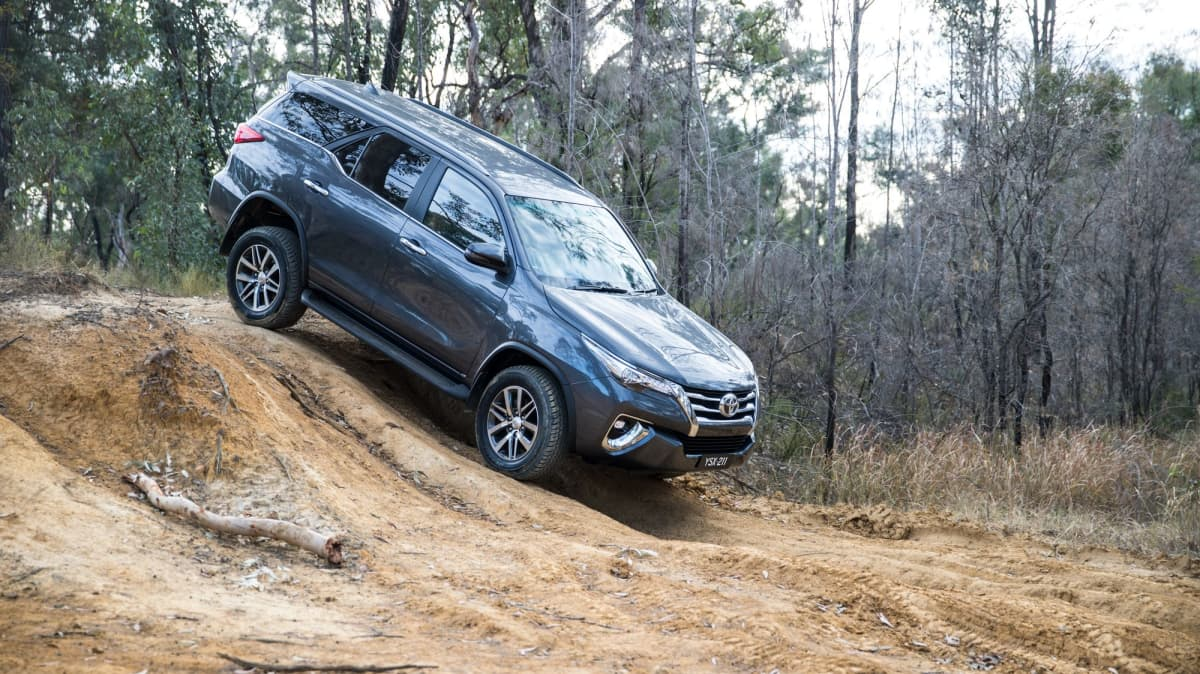 Toyota Fortuner used car review-3