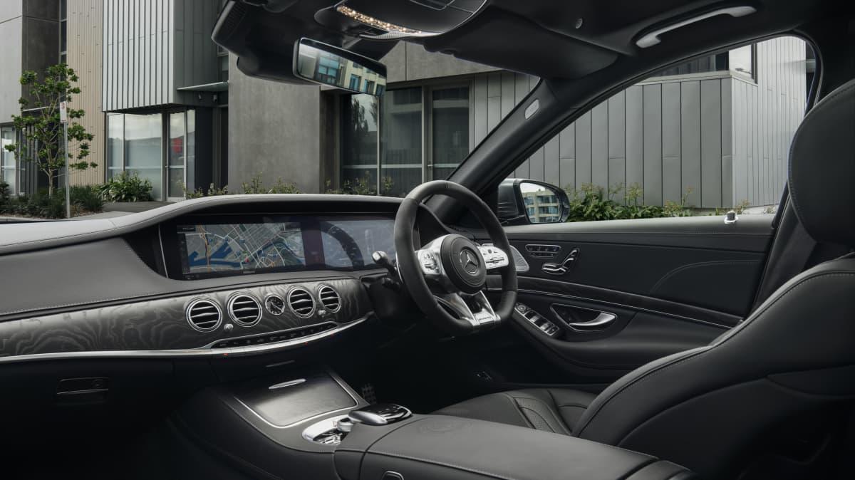 2018 Mercedes-AMG S63 L.