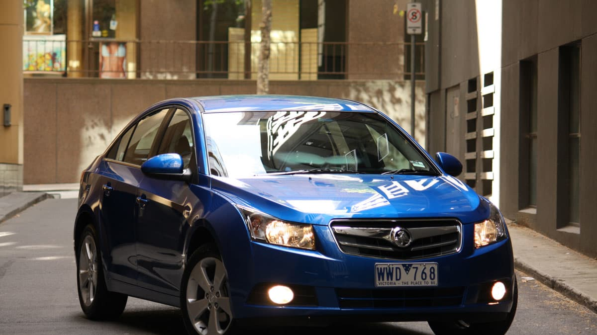 2009_holden-cruze_cdx_and-cruze-cd-diesel_road-test-review_042.jpg