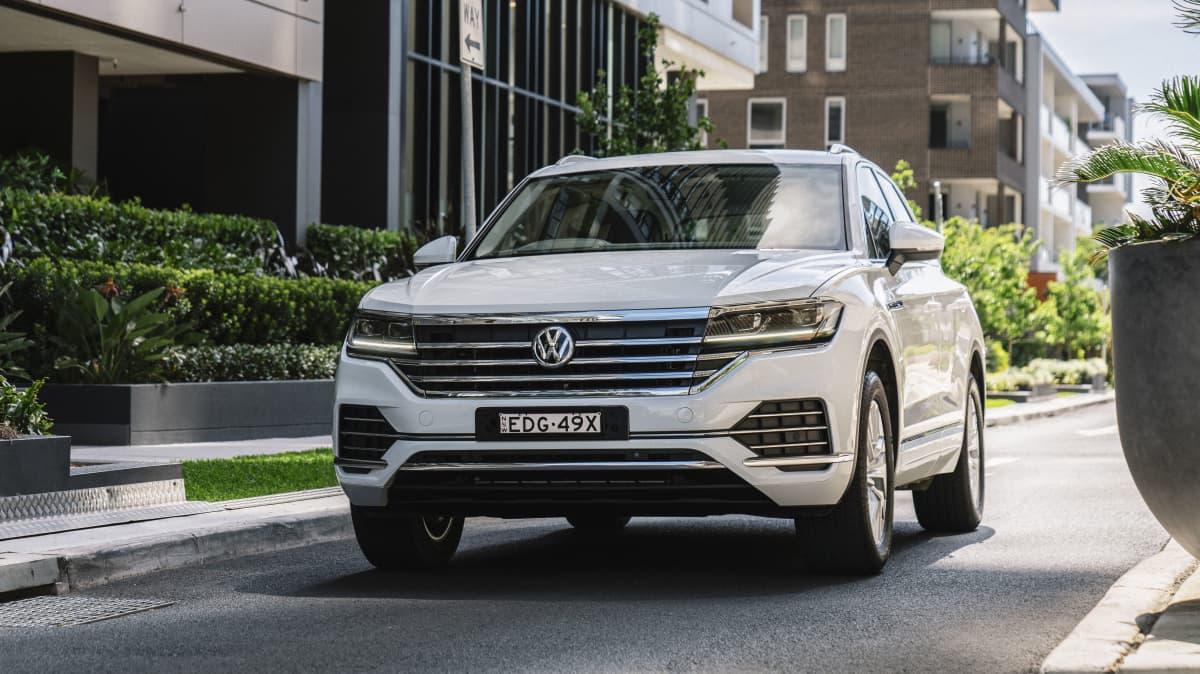 2020 Volkswagen Touareg 190TDI review-0