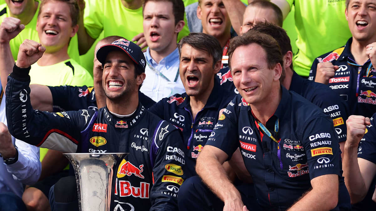 F1: Horner Says 'Unlikely' Red Bull Can Catch Mercedes, Ricciardo Disagrees