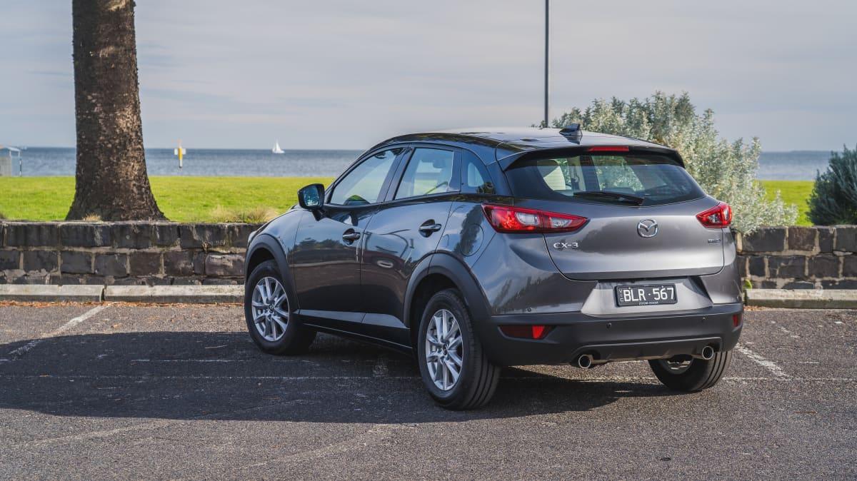 2021 Ford Puma v Mazda CX-3 Maxx Sport LE-3