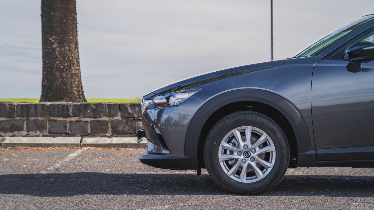 2021 Ford Puma v Mazda CX-3 Maxx Sport LE-1