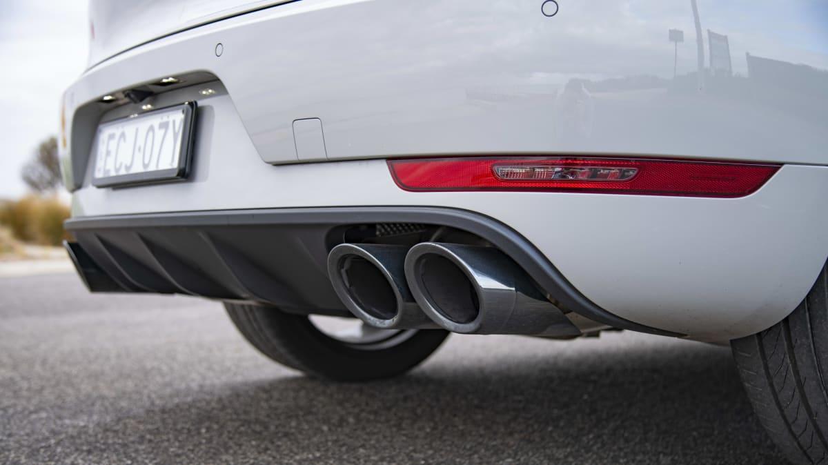 2020 Porsche Macan Turbo review-2