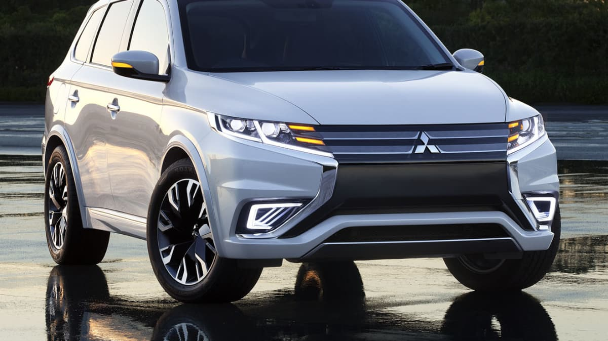 Mitsubishi Outlander PHEV Concept S Revealed: Incoming Facelift?
