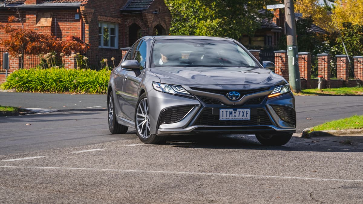 2021 Toyota Camry SL Hybrid review-0