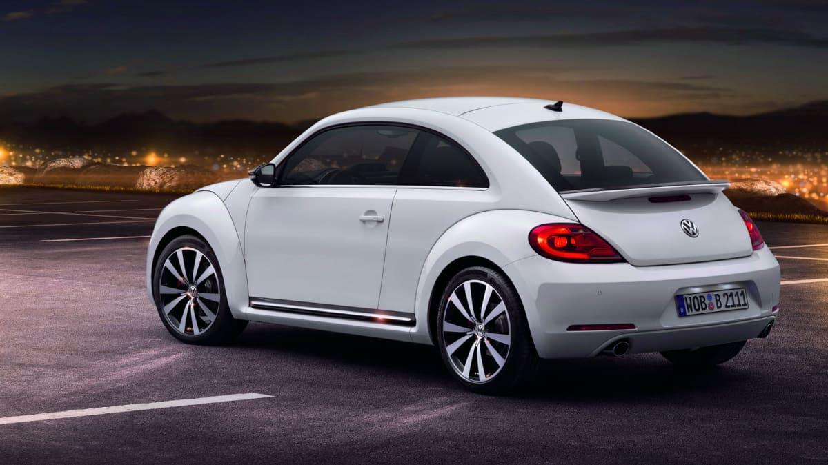 2012_volkswagen_beetle_09
