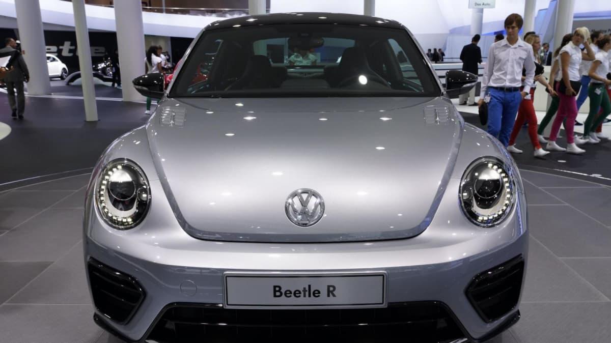 2012_volkswagen_beetle_r_concept_02