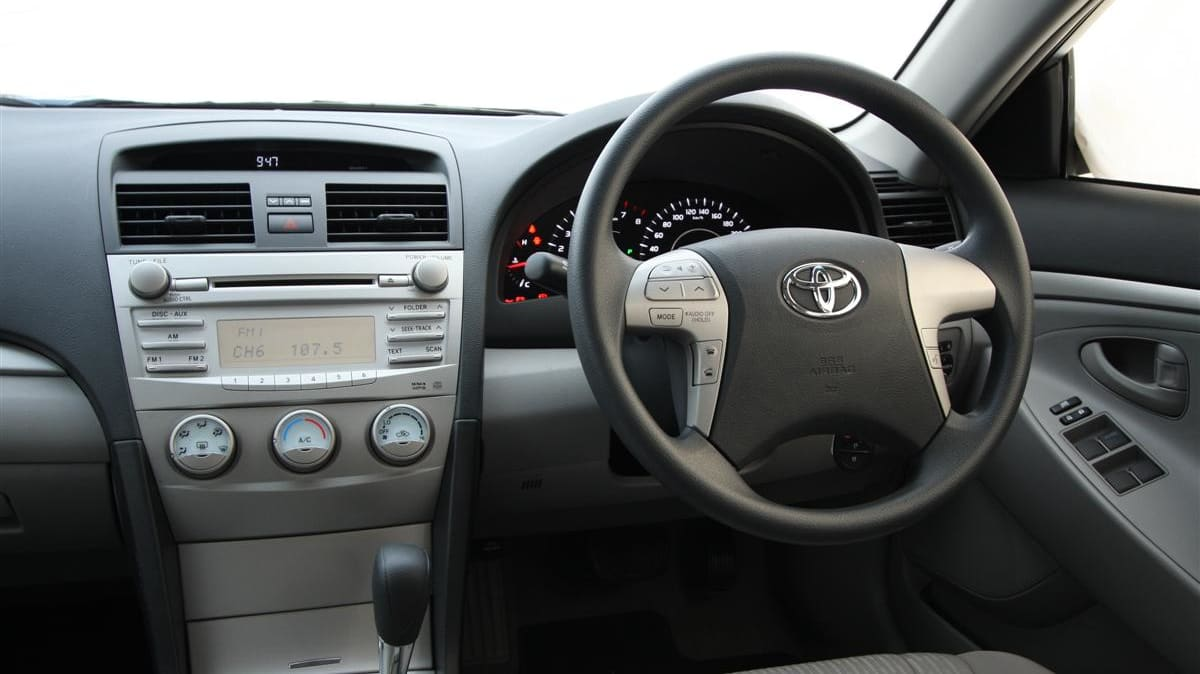 2010_toyota_aurion_at_x_road_test_review_header_02