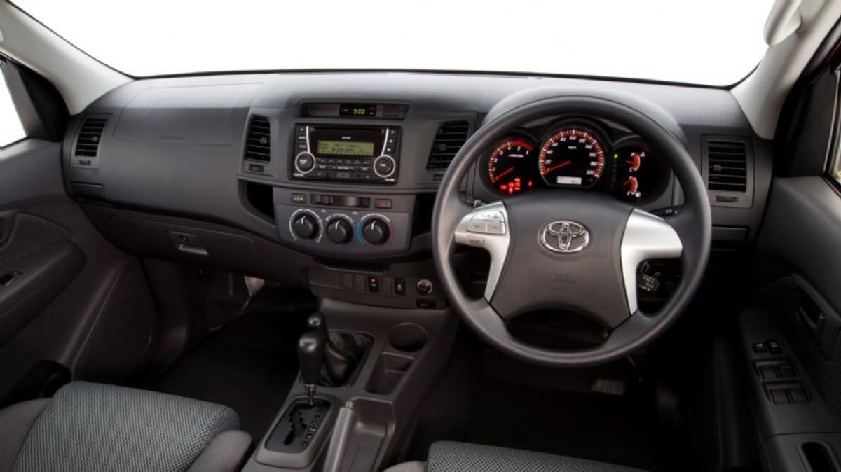 2012_toyota_hilux_road_test_review_26