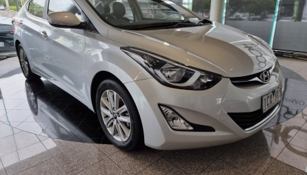 2014 Hyundai Elantra Trophy Sedan