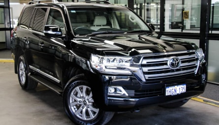 2020  Toyota Landcruiser Sahara Wagon