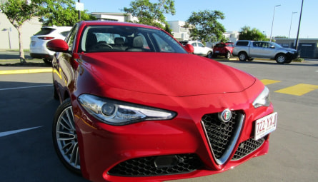 2017  Alfa Romeo Giulia Super Sedan