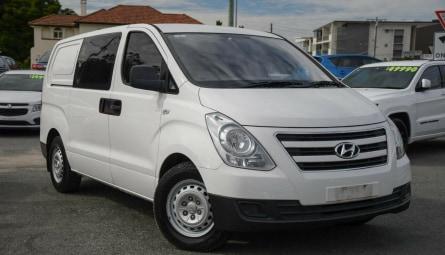 2017  Hyundai iLOADVan Crew Cab