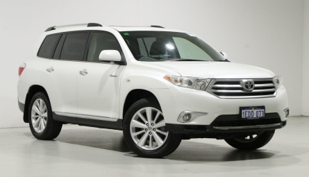 2013  Toyota Kluger Grande Wagon