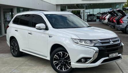 2017 Mitsubishi Outlander PHEV Exceed Wagon
