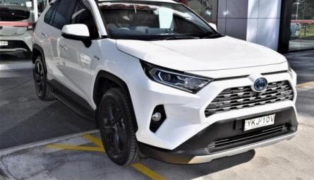 2020  Toyota RAV4 Cruiser Wagon