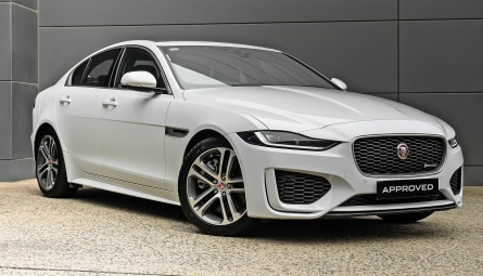 2020 Jaguar XE P300 R-Dynamic SE Sedan