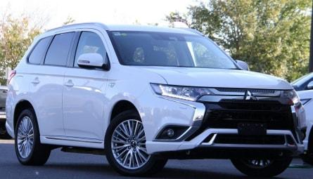 2018 Mitsubishi Outlander PHEV ES Wagon