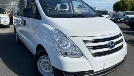 2016 Hyundai iLOADVan Crew Cab