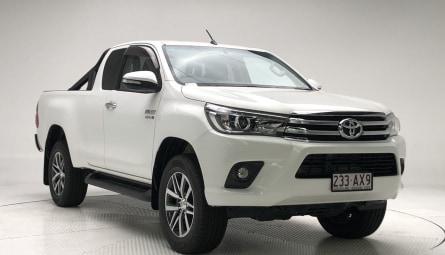 2017  Toyota Hilux Sr5 Utility Extra Cab