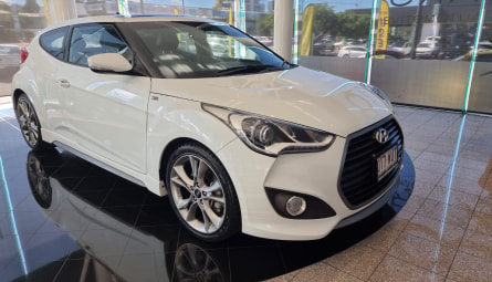 2015 Hyundai Veloster SR Turbo + Coupe