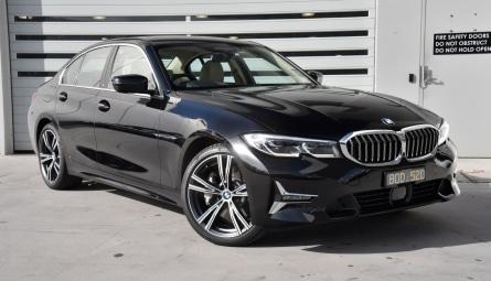2021  BMW 3 Series 330e Luxury Line Sedan