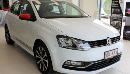 2016 Volkswagen Polo 81TSI beats Hatchback