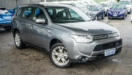 2014  Mitsubishi Outlander Es Wagon