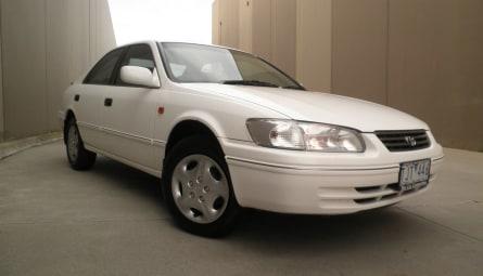 2000  Toyota Camry Conquest Sedan