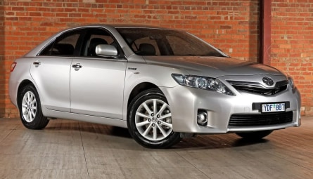 2011  Toyota Camry Hybrid Luxury Sedan