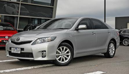 2010  Toyota Camry Hybrid Luxury Sedan