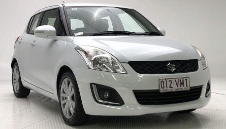2015 Suzuki Swift GLX Navigator Hatchback