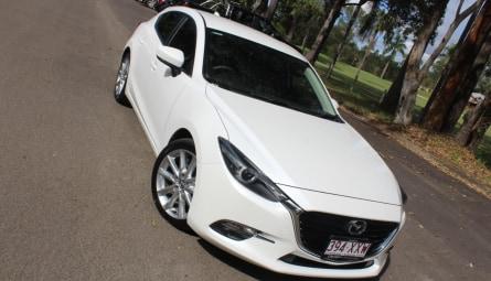 2018 Mazda 3 SP25 Hatchback