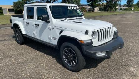 2020 Jeep Gladiator Overland Pick-up Dual Cab