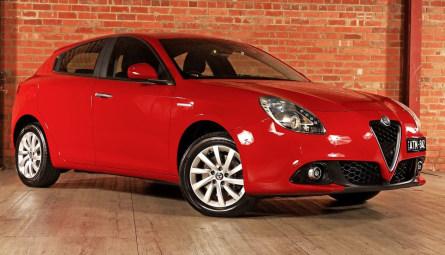 2018  Alfa Romeo Giulietta Super Hatchback