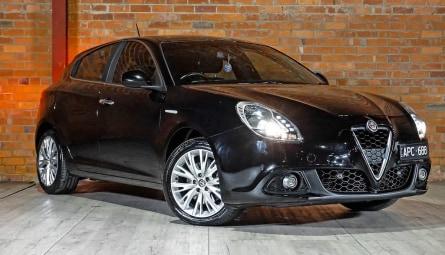 2017  Alfa Romeo Giulietta Super Hatchback