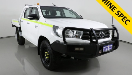 2017 Toyota Hilux SR Cab Chassis Double Cab