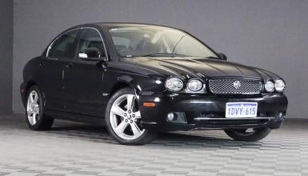 2010  Jaguar X-Type Le Sedan