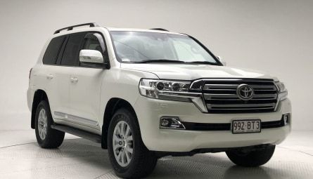 2017  Toyota Landcruiser Sahara Wagon