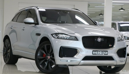2016  Jaguar F-PACE 35t First Edition Wagon