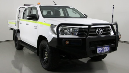 2016  Toyota Hilux Sr Cab Chassis Double Cab