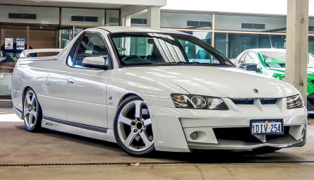 2004  Holden Special Vehicles Maloo R8 Utility Extended Cab