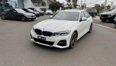 2020  BMW 3 Series 330i Luxury Line Sedan