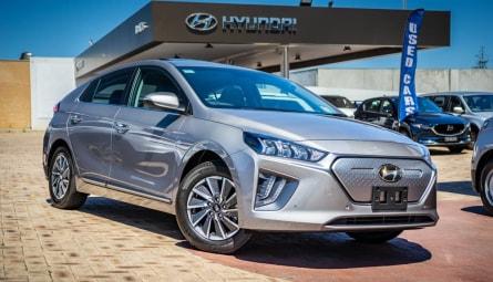2020 Hyundai IONIQ electric Premium Fastback
