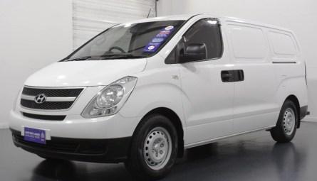 2014 HYUNDAI ILOADVan Crew Cab